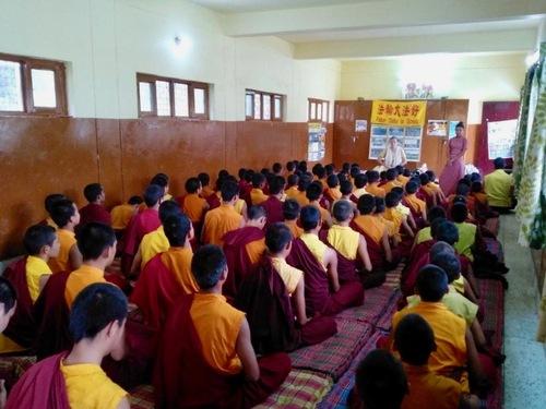 Семинар Фалуньгун в школе ламаизма