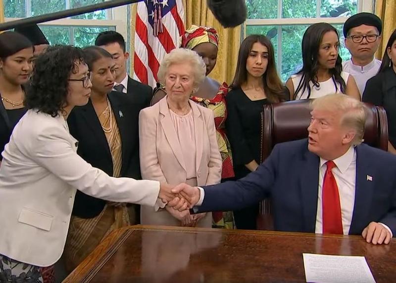 Трамп встретился с практикующей Фалуньгун